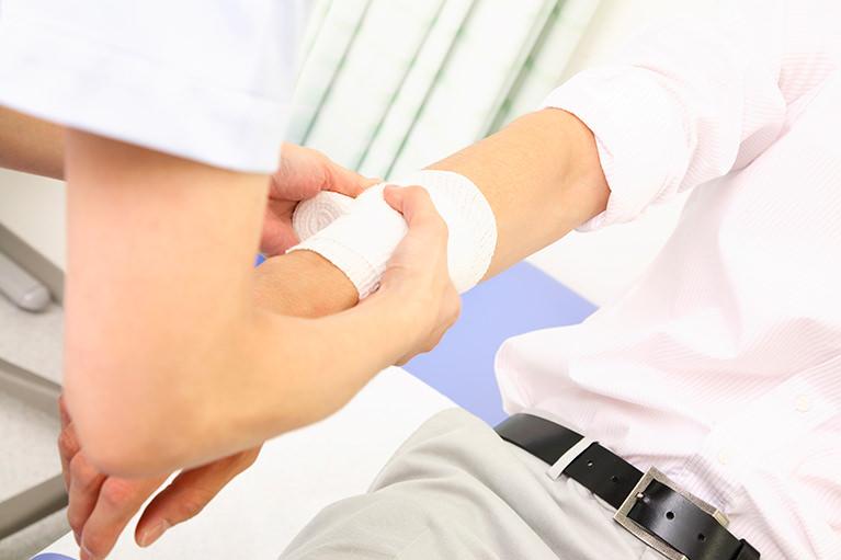 患者さんのQOL向上をめざし、体表面の機能と形を正します